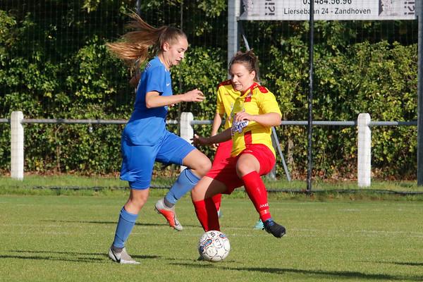 27-10-2018 - Massenhoven - SK Massenhoven - KRC Genk Ladies ll - Janne Geers of KRC Genk Ladies