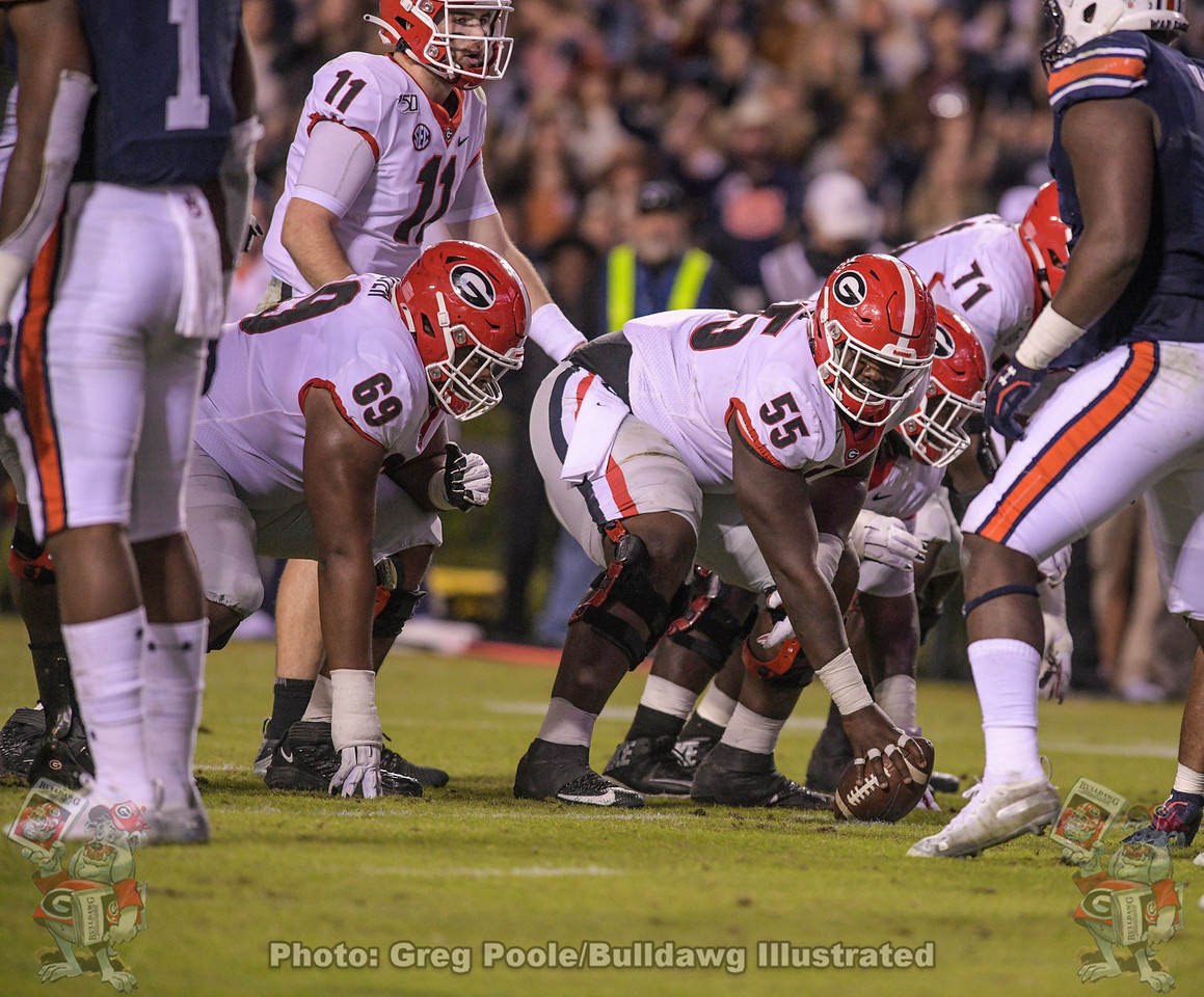 Jamaree Salyer (69) and Trey Hill (55) | Georgia at Auburn - Third Quarter | November 16, 2019