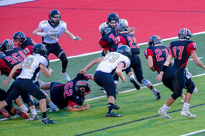 _A0320_Adkins_first_TD_behind_great_blocking