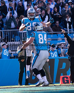 Carolina Panthers tight end Greg Olsen (88), Carolina Panthers tight end Ben Hartsock (84)