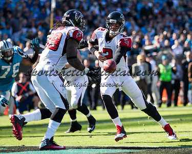 Atlanta Falcons quarterback Matt Ryan (2), Atlanta Falcons running back Steven Jackson (39)