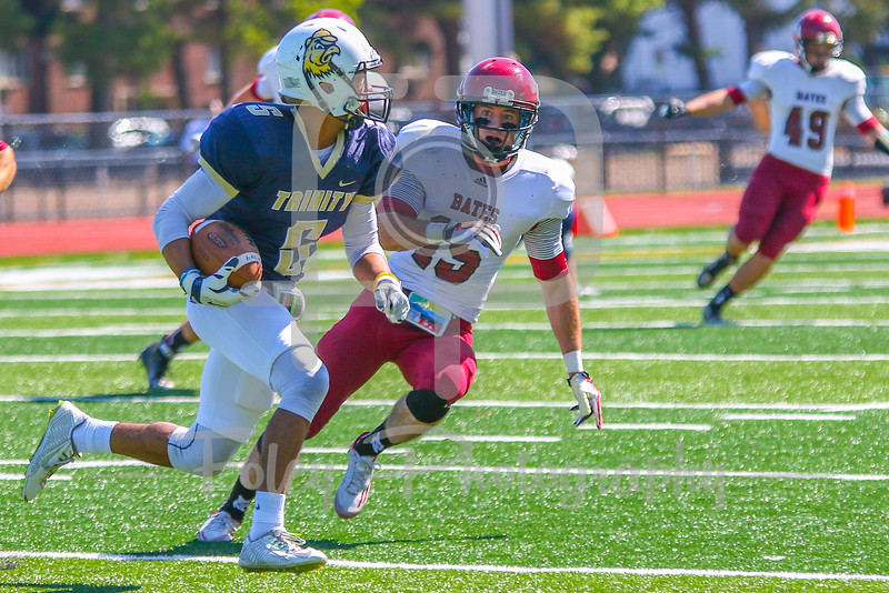 Trinity College Bantams wide receiver Darrien Myers (5)