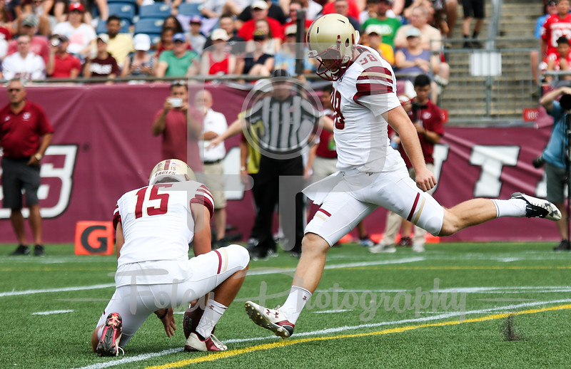 Boston College Eagles place kicker Mike Knoll (98)