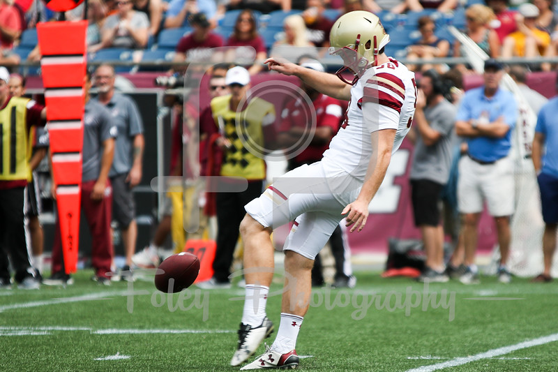 Boston College Eagles place kicker/punter Mike Knoll (98)