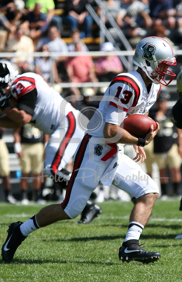 Brown Bears quarterback Kyle Moreno (13)