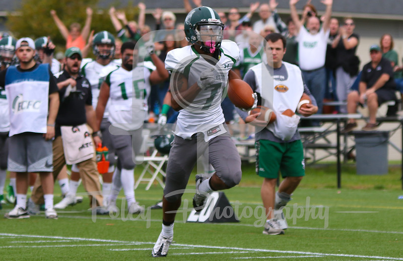 Castleton University wide receiver Makai Hawkins (7)
