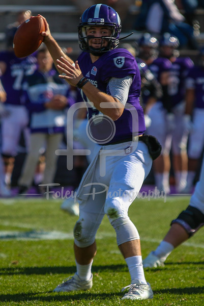 Holy Cross Crusaders quarterback Geoff Wade (15)