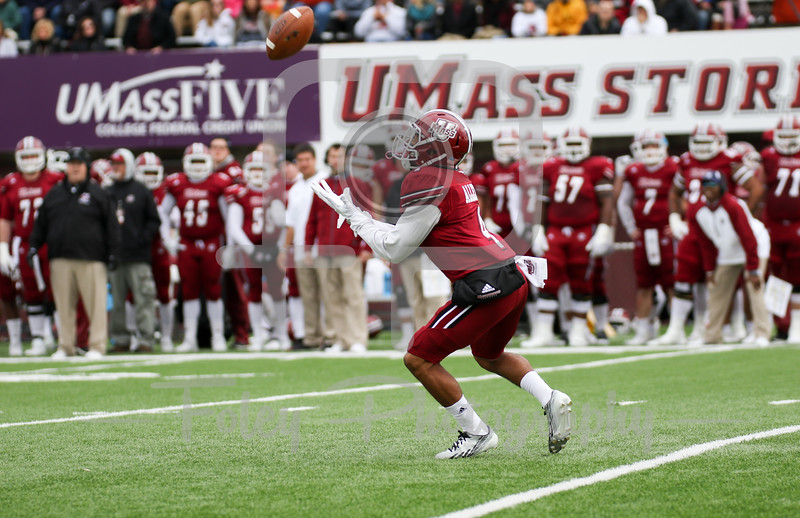 Massachusetts Minutemen cornerback James Allen (4)