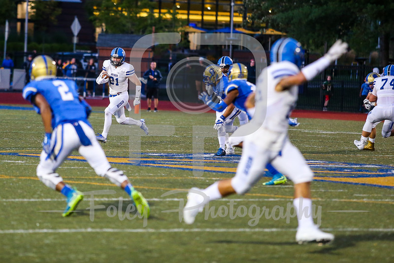 Becker College Hawks tight end Kenneth McMurphy (21)
