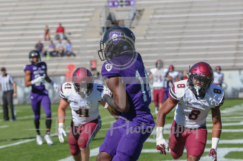 Holy Cross Crusaders wide receiver Andre Harton (14)