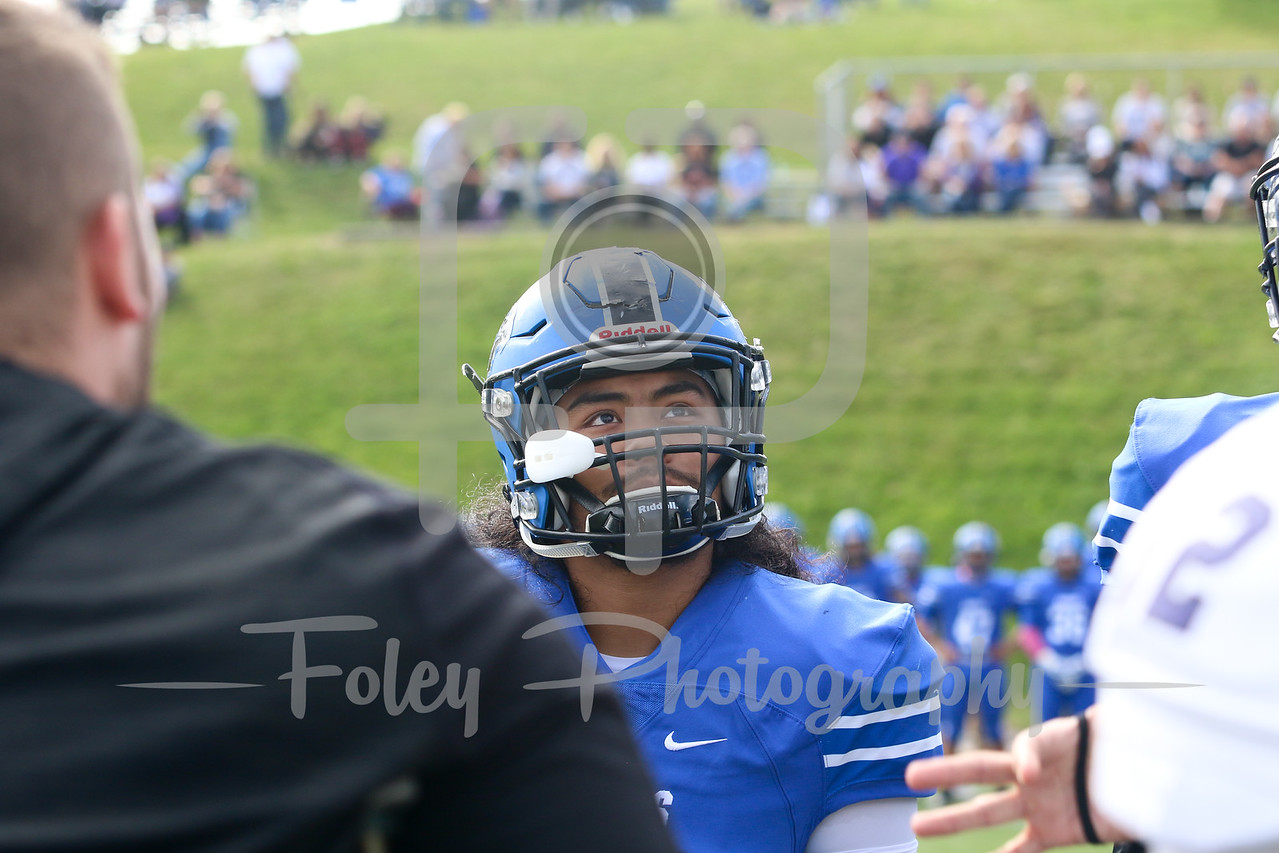 Becker College Hawks linebacker Angel Flores (34)