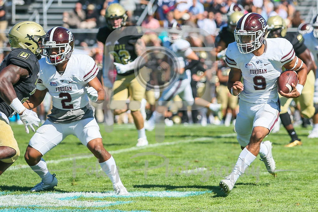 Fordham Rams running back Zach Davis (9)