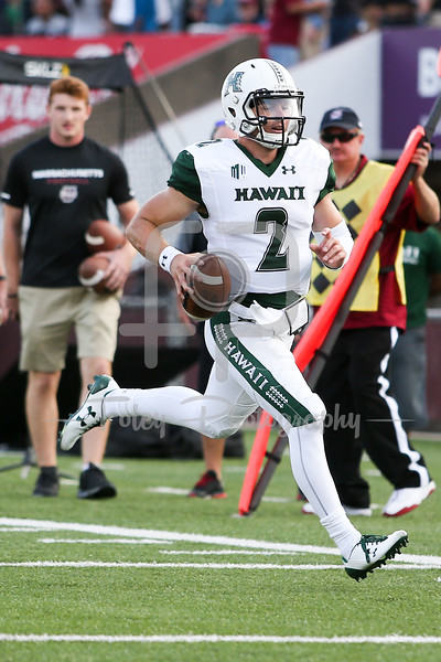 Hawaii Warriors quarterback Dru Brown (2)