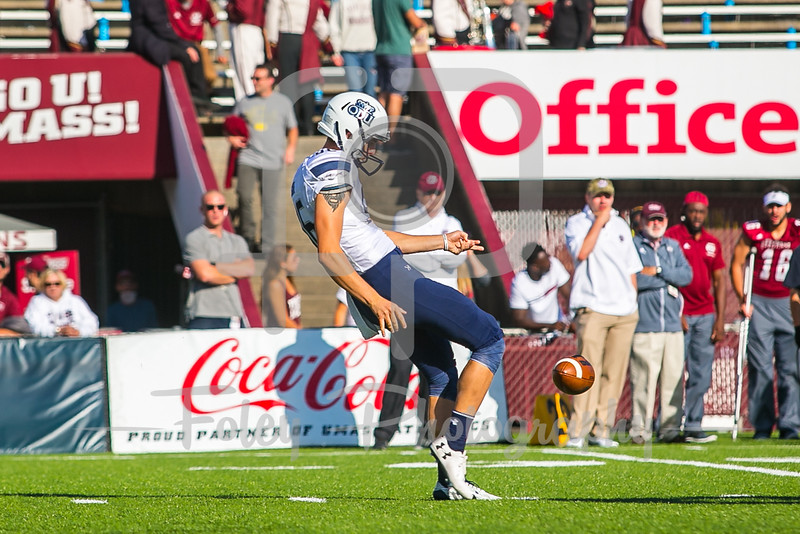 Old Dominion Monarchs punter Bailey Cate (96)