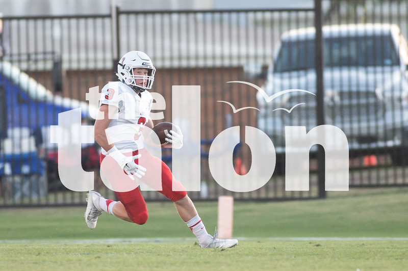 Eagles take on Decatur at Decatur High School on Oct. 7, 2016 in Decatur, Texas. (Christopher Piel/The Talon News)