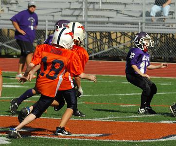 20101002 8261 WFFL Mitey Mite, Brigham City White @ Mtn. Crest Orange (Stadium)