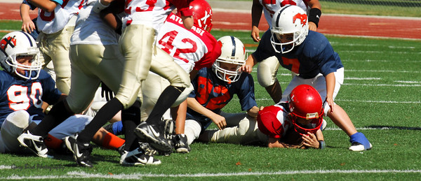 20101002 7391 Jr. Pee Wee, Logan Red @ Mtn. Crest Blue (Stadium)