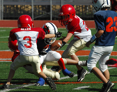 20101002 7448 Jr. Pee Wee, Logan Red @ Mtn. Crest Blue (Stadium)