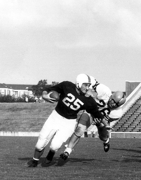 Former Georgia head coach and Athletic Director Vince Dooley played at wide receiver for Auburn from 1951-1953. (Photo Georgia Sports Communication)