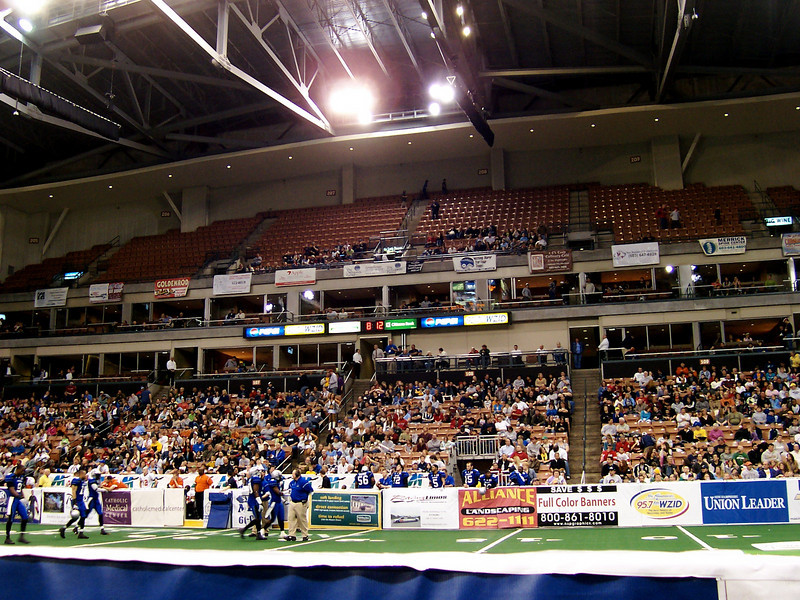 The crowd at the end of the first quarter
