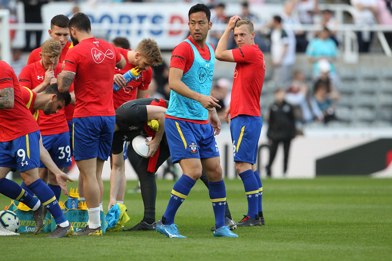 Maya Yoshida of Southampton warms up before the Premier League match between Newcastle United and Southampton at St. James's Park, Newcastle on Saturday 20th April 2019.