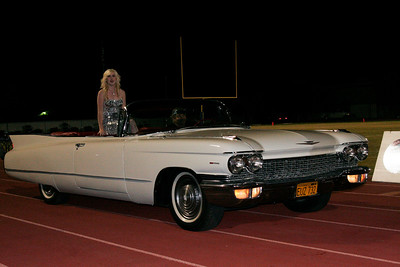 Homecoming queen candidate Chelsea Larson arrives at the Exeter High School Homecoming ceremony.
