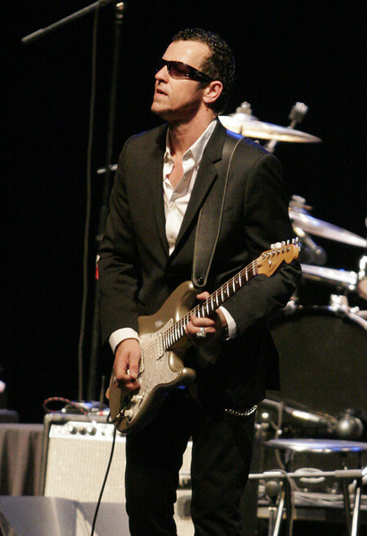 Gary Hoey rocked the house at the Visalia Fox Theater on Saturday, July 27th.