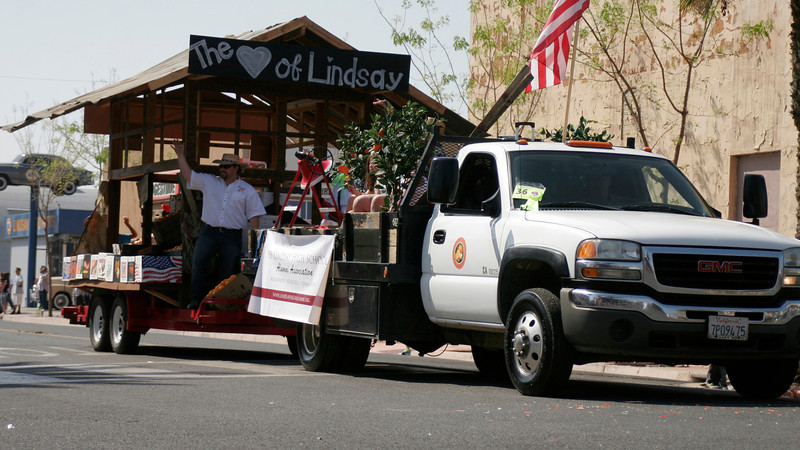 The Lindsay High School Alumni Association entry in the 2014 Orange Blossom Festival parade took 1st place in the Floats division.
