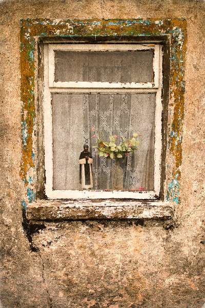 """Inishbiggle window dressing"""