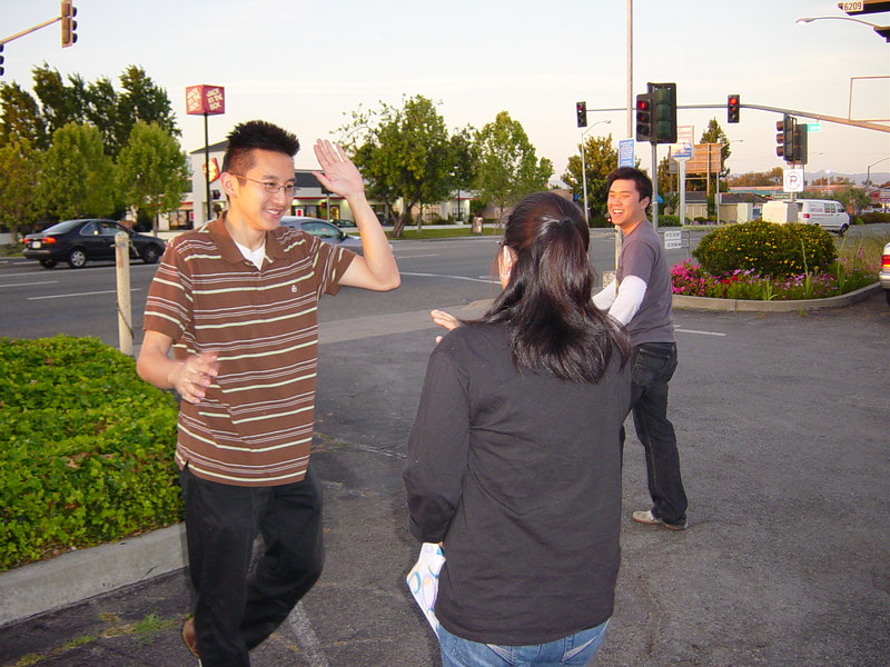 2006 05 23 Tue - Palace Korean BBQ & Karaoke - Matt high fives Junia