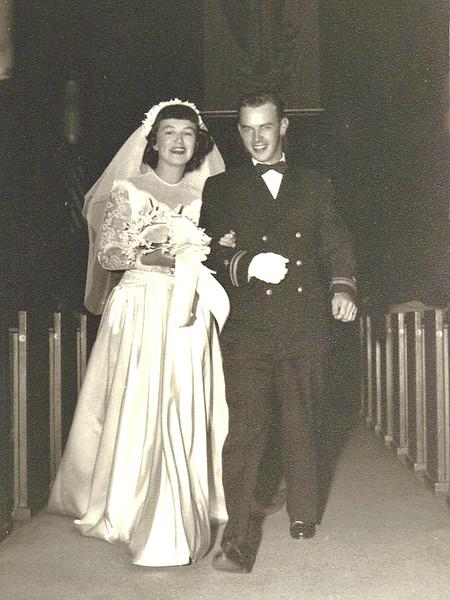 10 Wedding 1949 Aisle black n'white