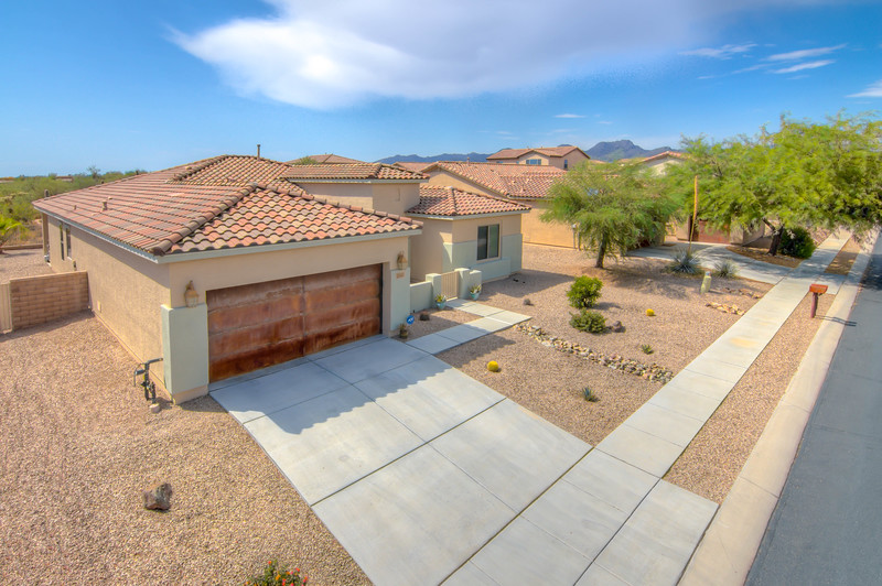 To learn more about this home for sale at 11411 N. Adobe Village Pl., Marana, AZ 85658 contact Debra Quadt, Realtor, Redfin (520) 977-4993