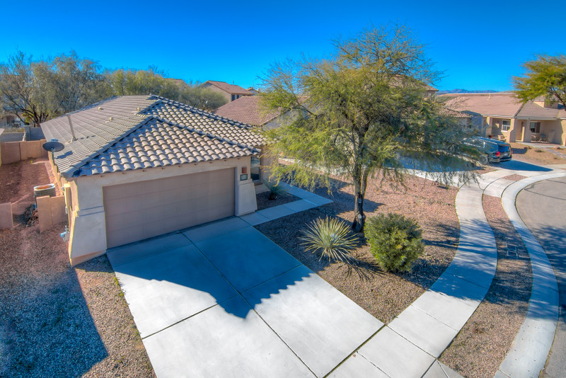 To Learn more about this home for sale at 115 W. Calle Sauco, Sahuarita, AZ 85629 contact Franz Gutierrez, Realtor, Realty Executives Tucson Elite (520) 369-0426