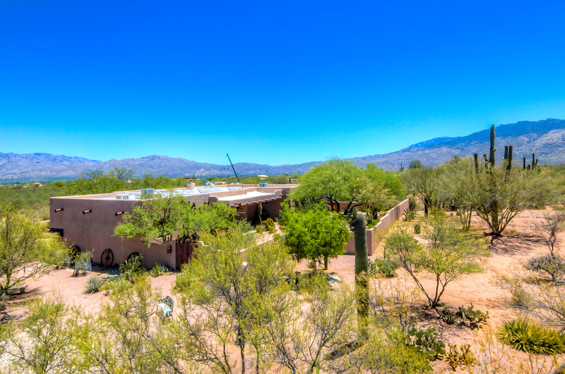 To Learn more about this home for sale at 11511 E. Calle Catalina, Tucson, AZ 85748 contact Linda Nelson (520) 907-6000