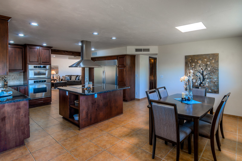 To Learn more about this home for sale at 11821 N. Robi Pl., Oro Valley, AZ 85737 contact Eric Erickson (520) 336-0358