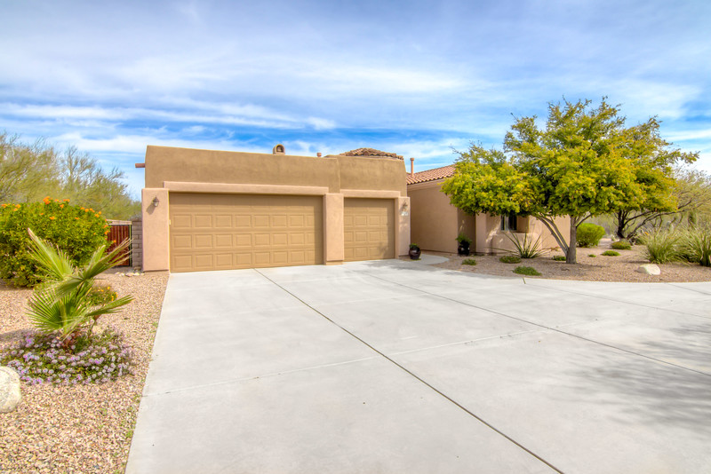 To Learn more about this home for sale at 12739 N. Red Eagle Dr., Oro Valley, AZ 85755 contact Debra Quadt (520) 977-4993