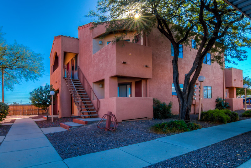 To learn more about this home for sale at 1745 E. Glenn St., #215 Tucson, AZ 85719 contact Jeff Hannan (520) 349-8766
