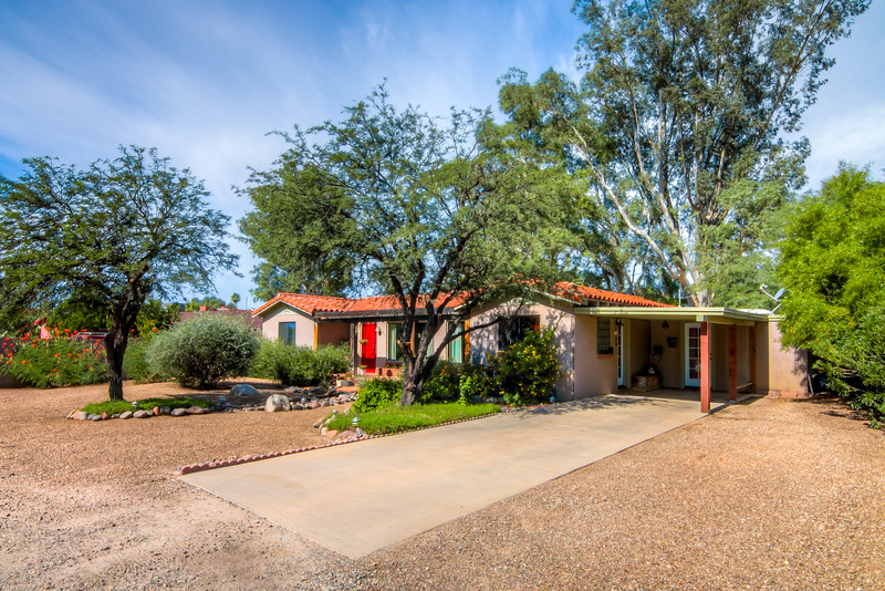 To Learn more about this home for sale at 240 S. Calle De La Azucena, Tucson, AZ 85711 contact Helen Curtis (520) 444-6538