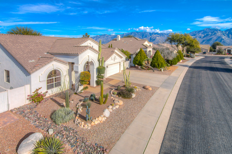 To Learn more about this home for sale at 246 W. Geeseman Springs Dr., Oro Valley, AZ 85755 contact Bizzy Orr, Realtor, Bizzy Orr Team, Realty Executives Tucson Elite (520) 820-1801