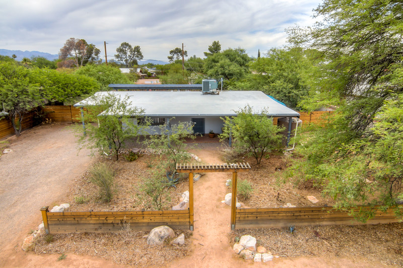 To Learn more about this home for sale at 2912 E. Plaza Dr., Tucson, AZ 85716 contact Jim Wilson (520) 820-7204