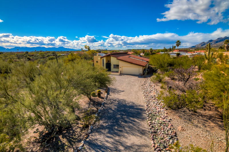 To Learn more about this home for sale at 5817 N. Camino Del Conde, Tucson, AZ 85718 contact David Dynes (520) 465-0813