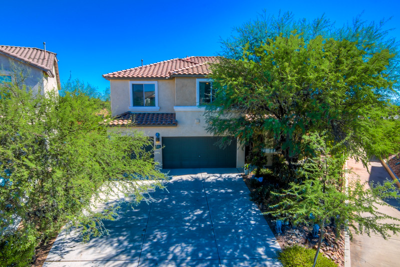 To Learn more about this home for sale at 6 W. Calle Bayeta Sahuarita, AZ 85629 contact Tim Rehrmann (520) 406-1060