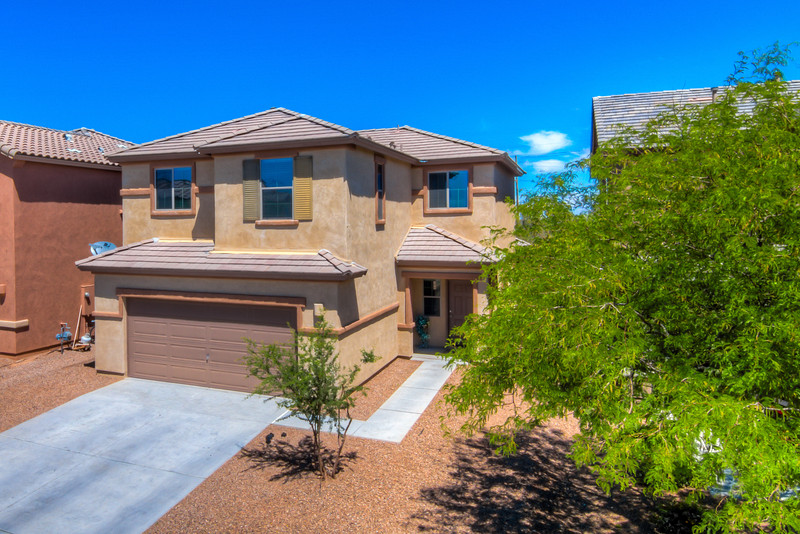 To Learn more about this home for sale at 652 W. Calle Capotasto, Sahuarita, AZ 85629 contact Ambrosia Contreras (520) 270-3693