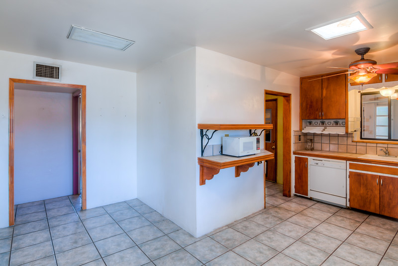 To Learn more about this home for sale at 702 N. Venice Ave., Tucson, AZ 85711 contact Jeff Lemcke (520) 990-9054