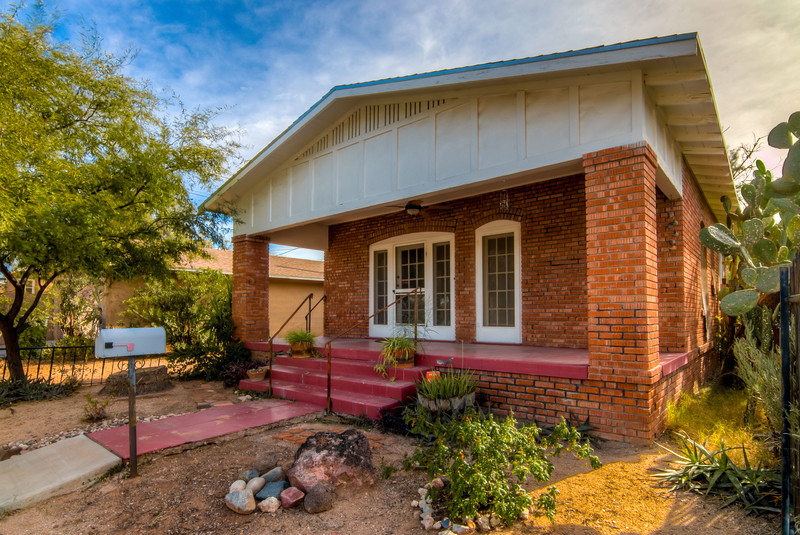 To Learn more about this home for sale at 734 E. Drachman St Tucson, AZ 85719 contact Helen Curtis (520) 444-6538