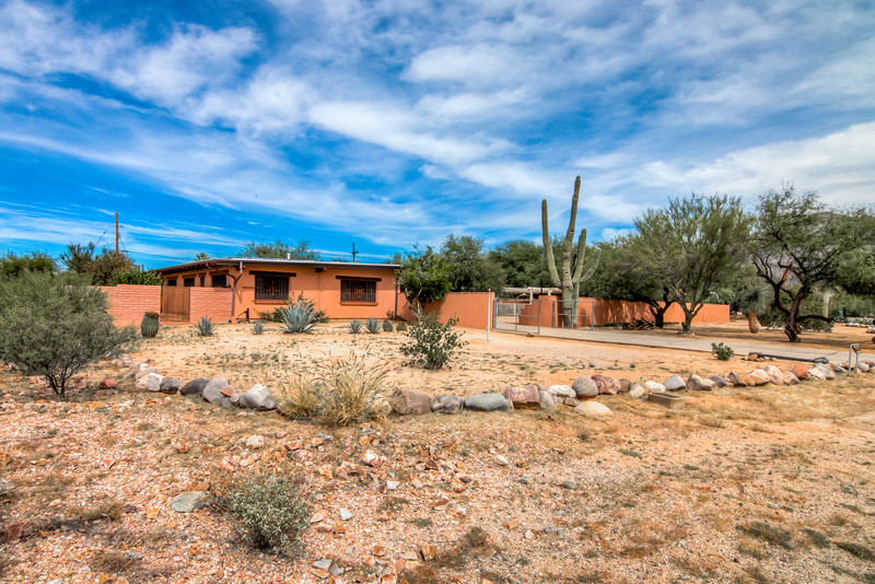 To Learn more about this home for sale at 8601 N. Hickory Dr., Tucson, AZ 85704 contact Jeff Lemcke (520) 990-9054