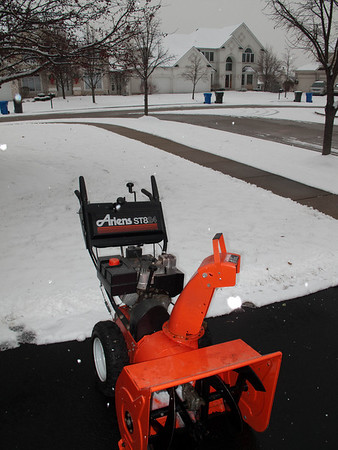 Ariens Snow Blower ST824
