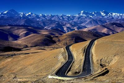 Drive to Mt. Everest, Tibet