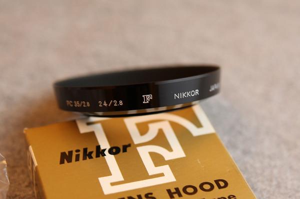 Nikon F Nikkor PC 35/2.8 24/2.8 Lens Hood