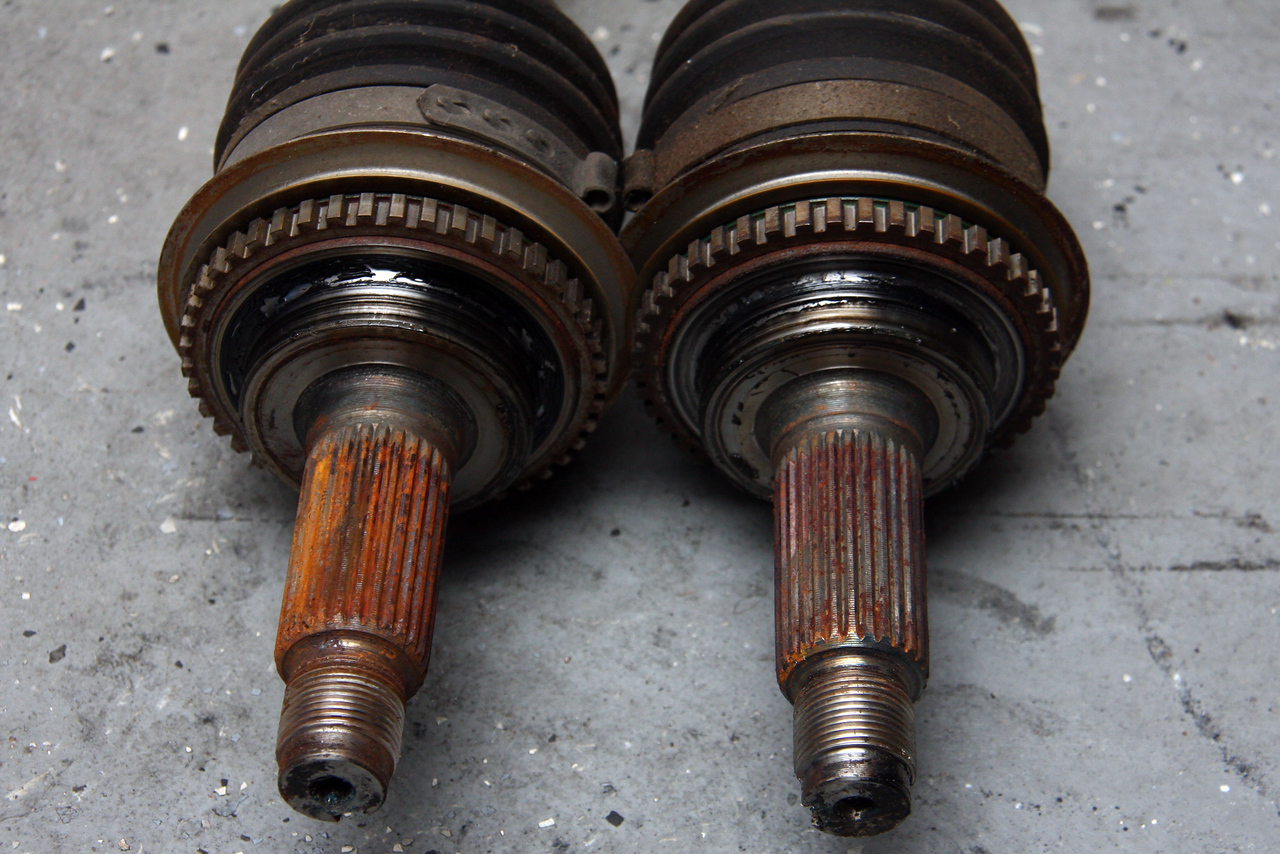 Front Axles outer ends side